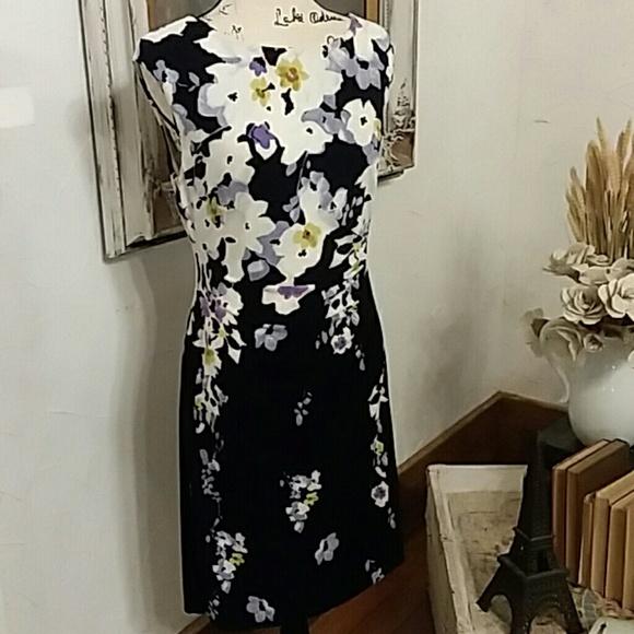 Ralph Lauren Dresses & Skirts - Ralph Lauren Floral Stretch dress, size 12P
